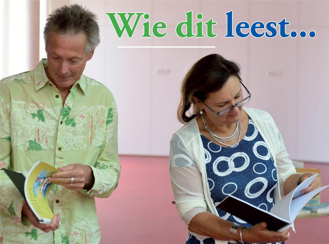 Eerste exemplaar ZomerTopTips voor kinderboekenambassadeurs Hans en Monique Hagen